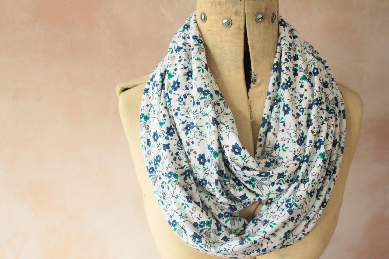 Infinity scarf - Snood, Eternity scarf, Circle scarf, Jersey scarf, Tube scarf, Loop scarf, Snood, T-Shirt scarf - White Floral