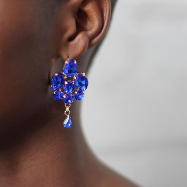Small Dangling Blue Fashion Earrings